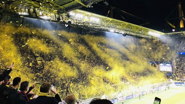 Champions League – Ντόρτμουντ: Το υπέροχο Yellow Wall με την Μπαρτσελόνα (vid)